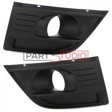 Kit grille de pare-chocs avant / Droit et gauche / noire sans chrome / avec emplacement antibrouillard / Modèle après Dé