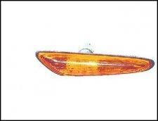 Repetiteur d aile avant droite orange